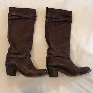 Woman's Frye Jane Strappy leather pull on boots
